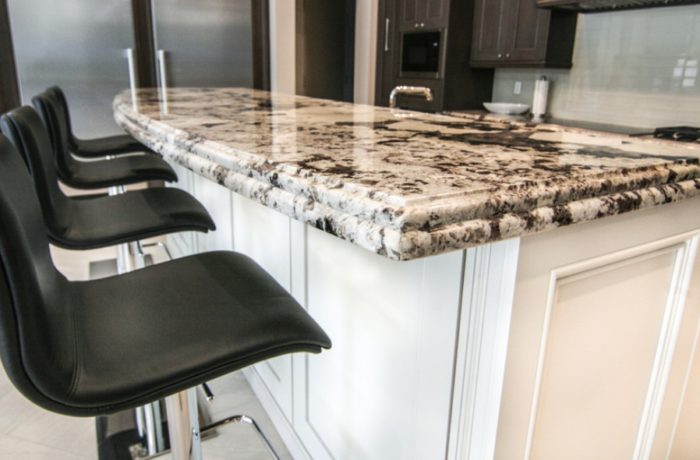 Delicatus White Countertop Bar